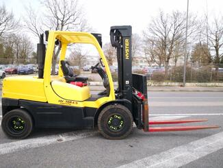 Four wheel front forklift Hyster H4.5FT - 4