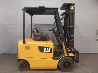 Four wheel counterbalanced forklift Caterpillar EP25K - 5