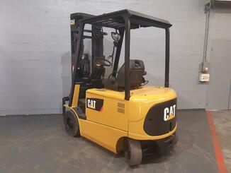 Four wheel counterbalanced forklift Caterpillar EP25K - 2