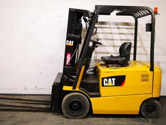 Four wheel counterbalanced forklift Caterpillar EP25K-PAC - 10