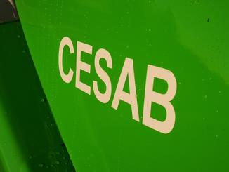 Four wheel counterbalanced forklift CESAB M325D - 9